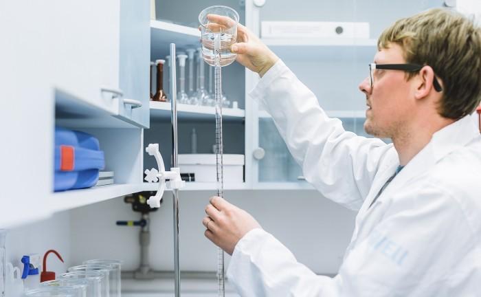 Jakub Hak, Chemické zkoušky