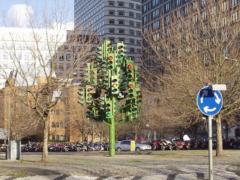 Traffic Light Tree Canary Wharf