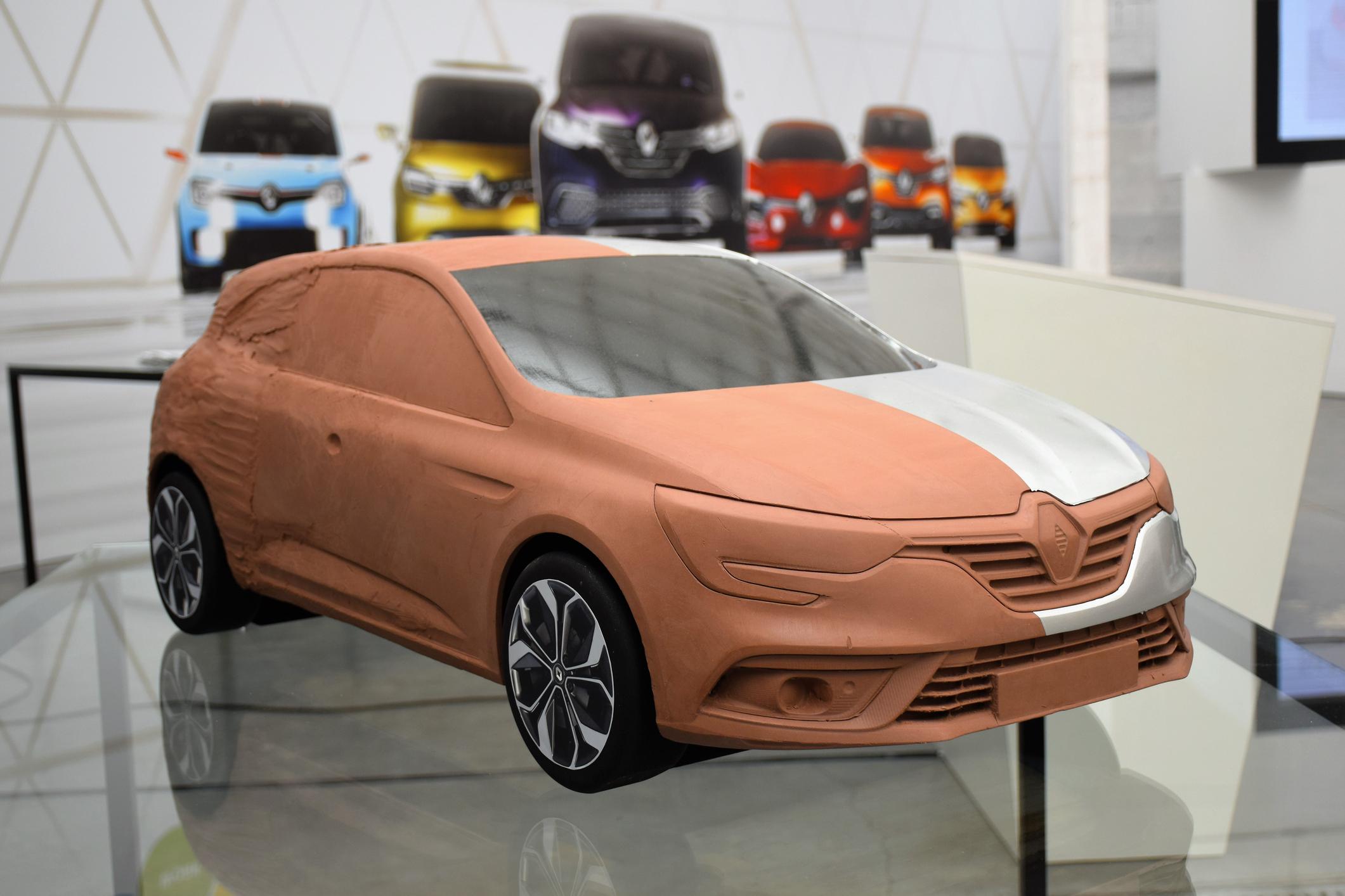 Hliněný model Renault