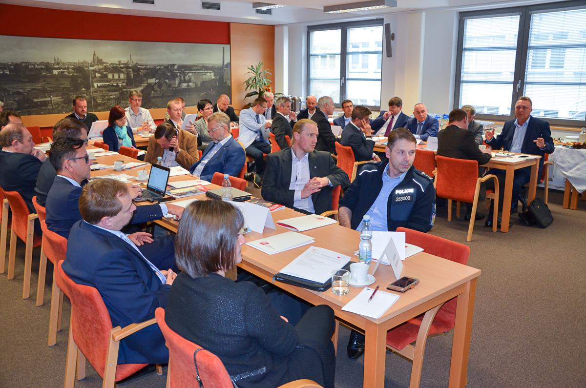 Jednání zástupců automobilového průmyslu s představiteli Královéhradeckého kraje