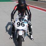 Bílá elektrická motorka