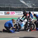 Elektrická motorka start závodu