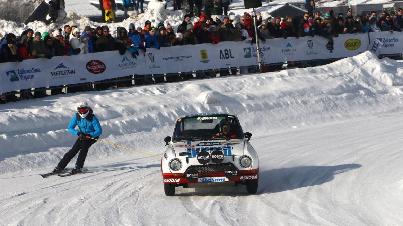 Automobilové závody na zmrzlém jezeře
