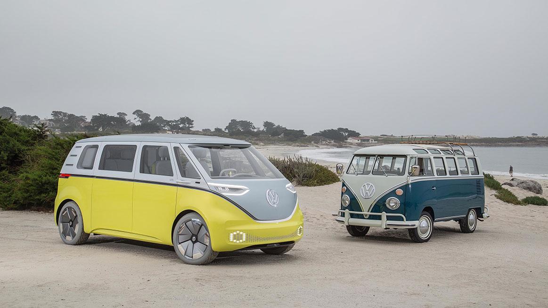 Studie I.D. Buzz a původní vůz Volkswagen Transporter