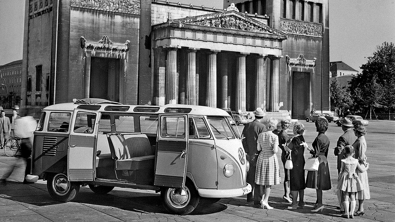 Automobil Volkswagen T1 na cestách