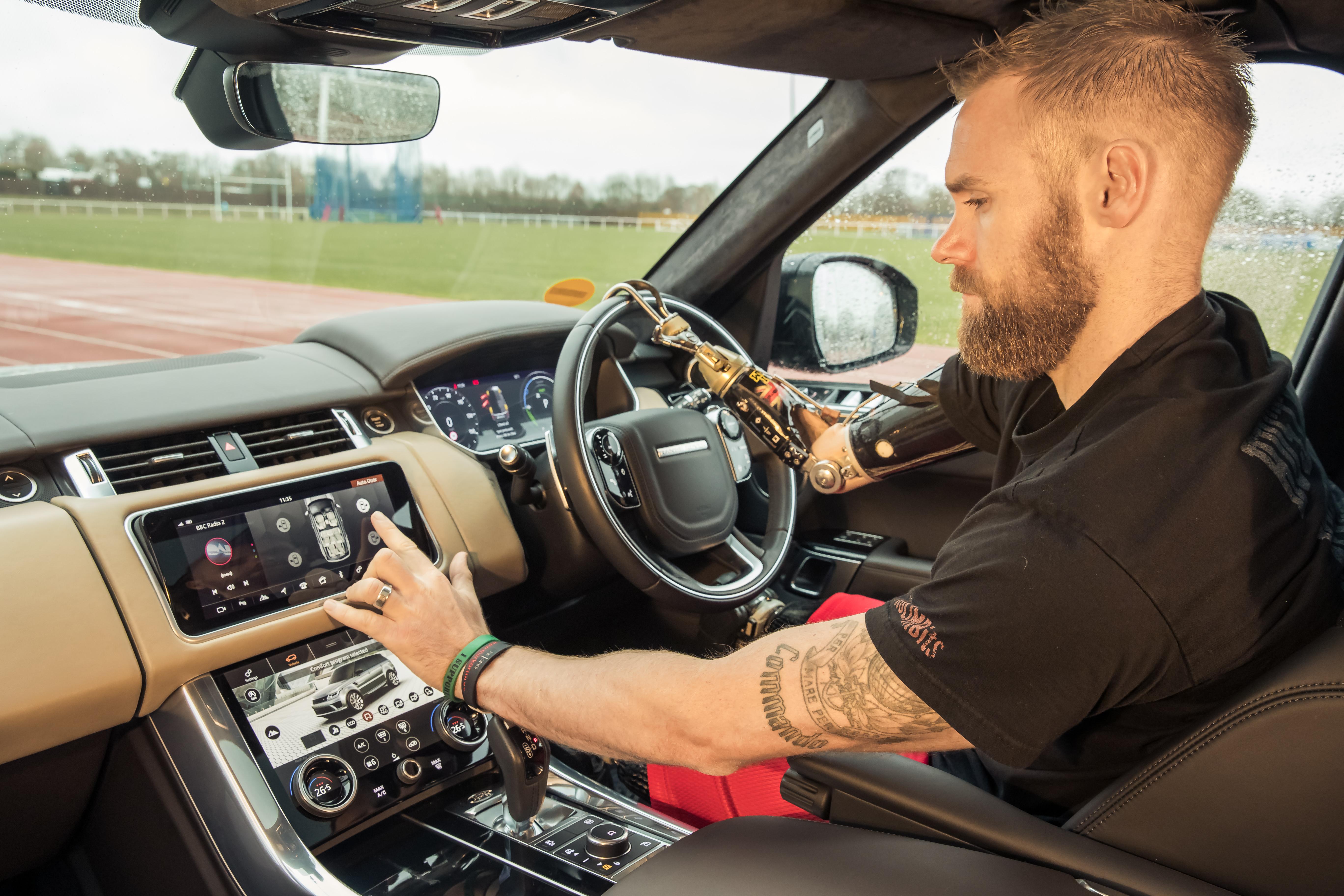 Automatické ovládání automobilu pro handicapované