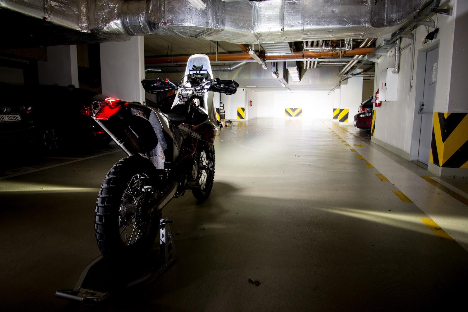 Enduro motocykl a jeho výbava pro rallye