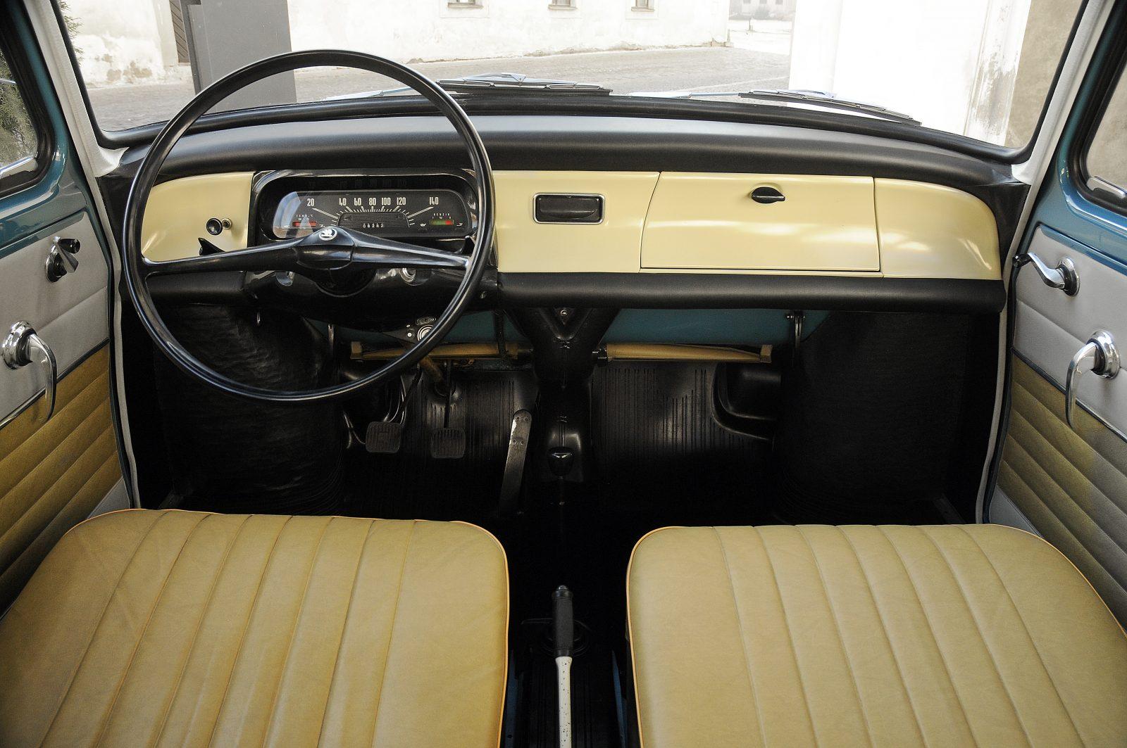 Kožený interiér Škoda 1000 MB