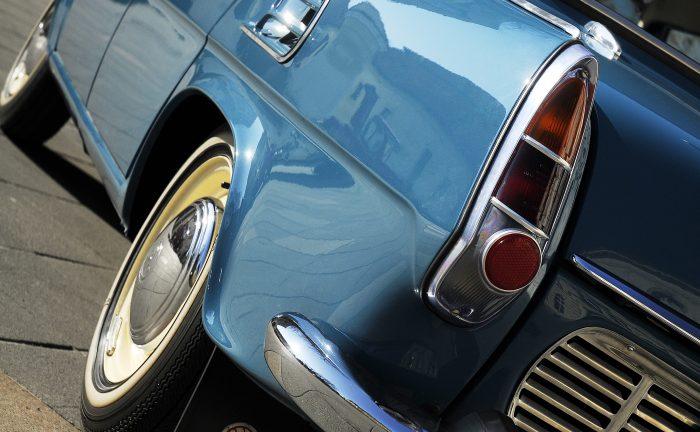 Detail modrá Škoda 1000 MB