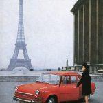 Červená Škoda 1000 MB v Paříži