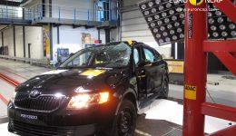 Nárazové zkoušky EuroNCAP Škody Octavia - náraz na kůl